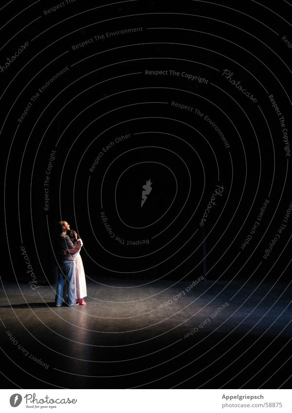 Umarmung Mensch 2 Bühne Theaterschauspiel Umarmen verträumt