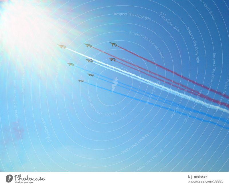 MAKS Airshow Himmel Sonne Flugzeug Düsenflugzeug MAKS Flugmanöver