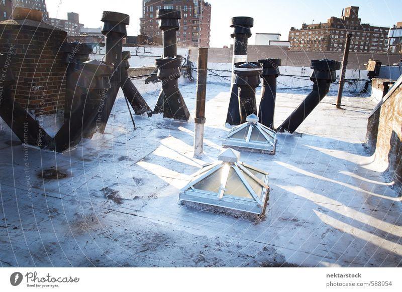 Dachterasse in Manhattan Stadt Haus Gebäude Architektur Abenteuer USA Risiko Höhenangst Stadtzentrum Hauptstadt Terrasse Schornstein Sightseeing New York City