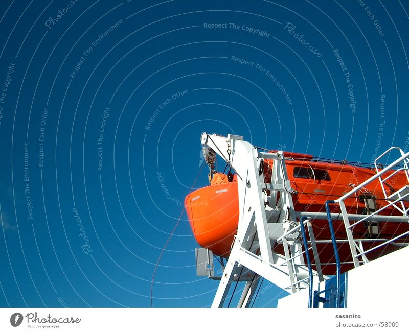 Rettungsboot Himmel blau See Wasserfahrzeug orange Fähre Beiboot Schiffsunglück