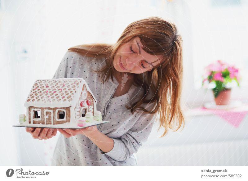 Weihnachtszeit Mensch Frau Jugendliche Weihnachten & Advent schön Junge Frau weiß Freude 18-30 Jahre Erwachsene Gefühle feminin Glück Feste & Feiern