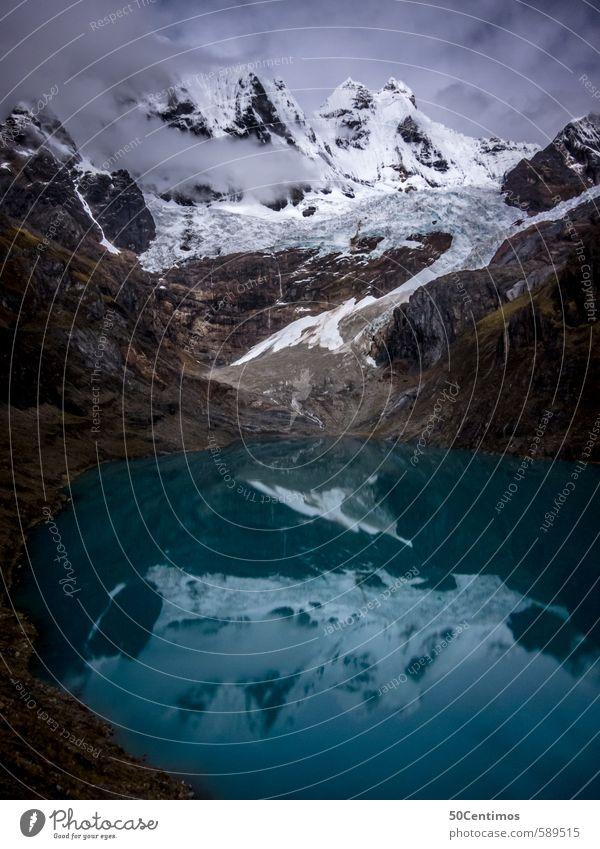 Gebirgssee mit Spiegelungen des Gletschers Natur Ferien & Urlaub & Reisen Landschaft ruhig Ferne Umwelt Berge u. Gebirge Freiheit See Tourismus wandern Ausflug