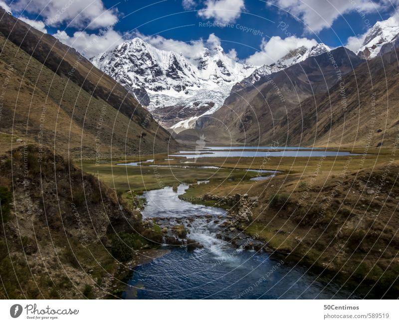 Gebirgsfluss in den Anden von Peru Natur Ferien & Urlaub & Reisen Sommer Sonne Landschaft ruhig Winter Ferne Umwelt Berge u. Gebirge Herbst Wiese Frühling