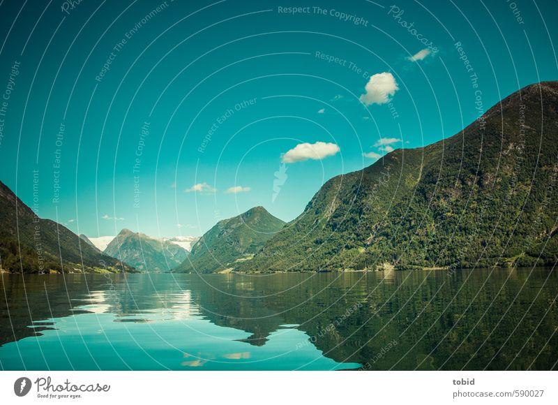 Tag am Meer No.2 Ferne Freiheit Sommer Sonne Wellen Berge u. Gebirge Natur Landschaft Pflanze Wasser Himmel Wolken Schönes Wetter Küste Bucht Fjord Norwegen