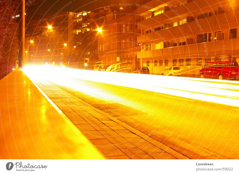Straße bei Nacht Stadt Nürnberg Licht träumen Langzeitbelichtung