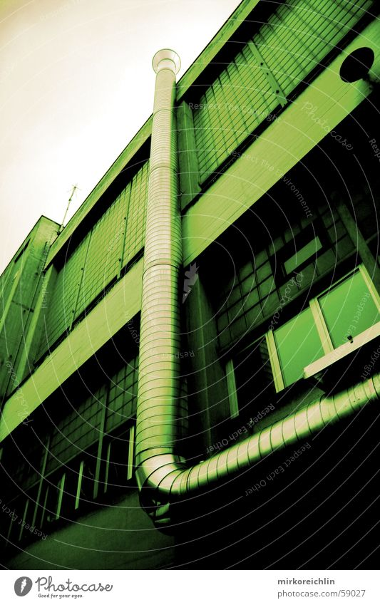Grüne Industrie grün Haus Gebäude Industriefotografie Fabrik Schweiz stark Röhren 2006 Lüftung Rüti