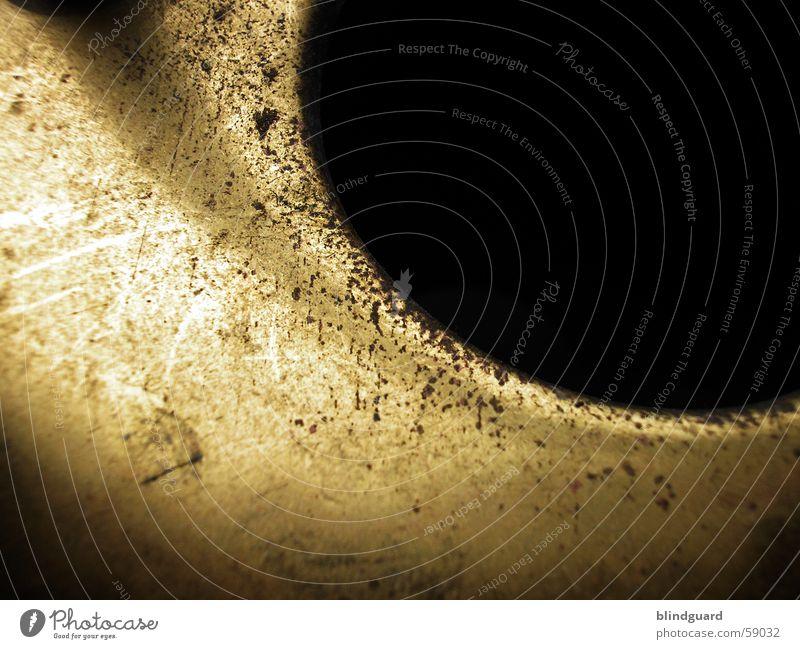 Black Hole alt Wasser dunkel Leben Garten Metall Hintergrundbild Loch Handwerk gießen Öffnung Gießkanne Kratzer Messing