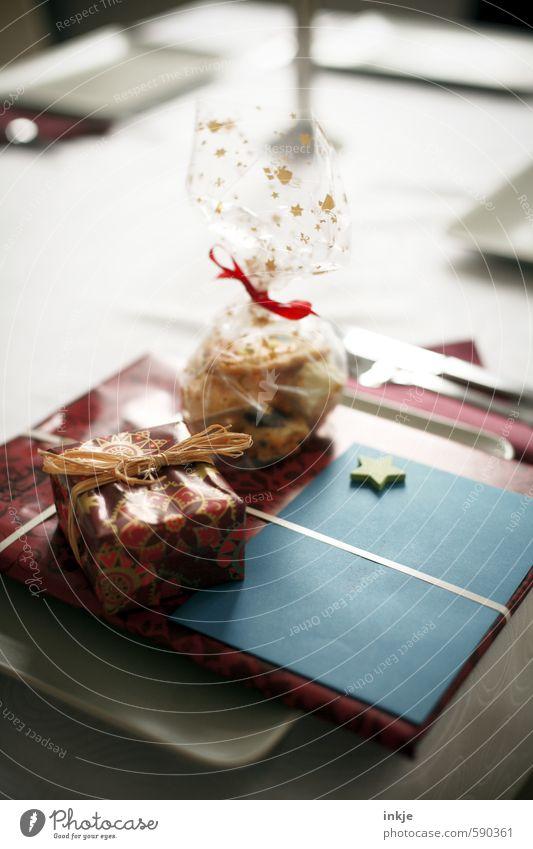 es weihnachtet Ernährung Festessen Häusliches Leben Feste & Feiern Weihnachten & Advent Dekoration & Verzierung Geschenk Geschenkpapier Schleife Gefühle
