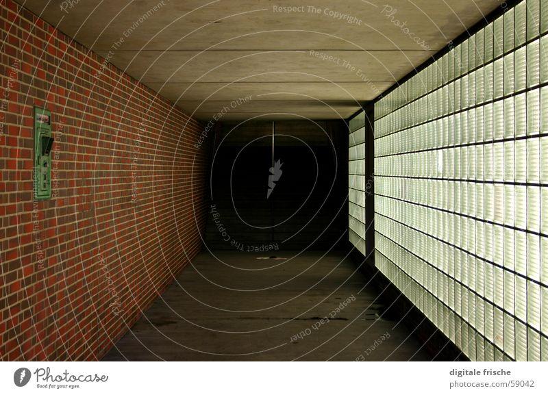 Architektur-Notruf Einsamkeit Wand Angst Glas Beton Bodenbelag Tunnel Backstein Düsseldorf Panik Decke Fußgänger Unterführung