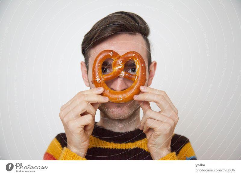 Mensch Jugendliche Mann Hand Junger Mann Freude 18-30 Jahre Erwachsene Essen lustig Lifestyle Kopf Lebensmittel maskulin Küche Frühstück