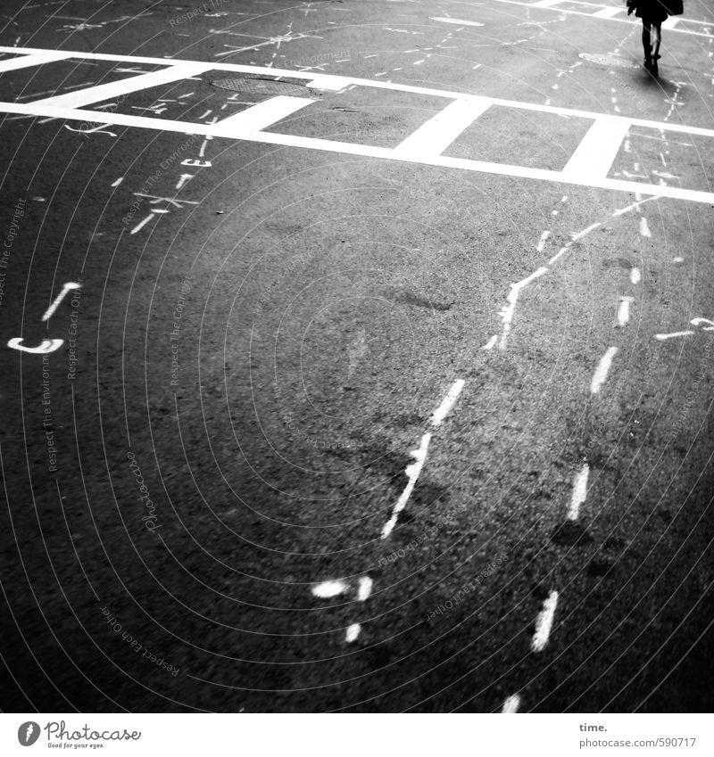 Downtown Spirit Stadt Einsamkeit ruhig Ferne dunkel Straße Bewegung Wege & Pfade Linie gehen Verkehr Schilder & Markierungen Zeichen Streifen