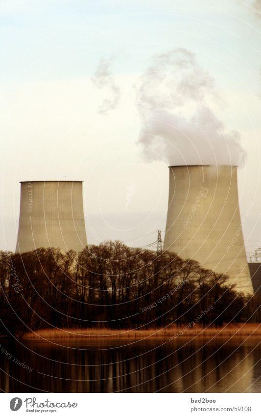 Kraftwerk Baum Luft Nebel Energiewirtschaft Rauch Abgas Gas Schornstein Teich Stromkraftwerke Ozon