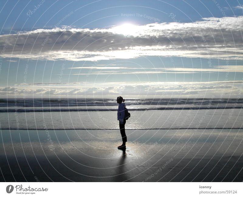 Sonne, Sand und ... Cannon Beach Sonnenuntergang Abenddämmerung Meer Strand Wellen Wolken Licht Horizont Pazifik Amerika Oregon Silhouette Wasser Himmel USA