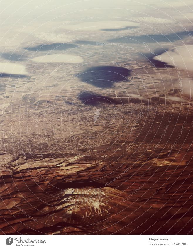 Über den Wolken I Natur Ferien & Urlaub & Reisen Wolken Ferne Umwelt Berge u. Gebirge Freiheit Felsen Wetter Erde Tourismus Klima Ausflug Flugzeug Urelemente Abenteuer