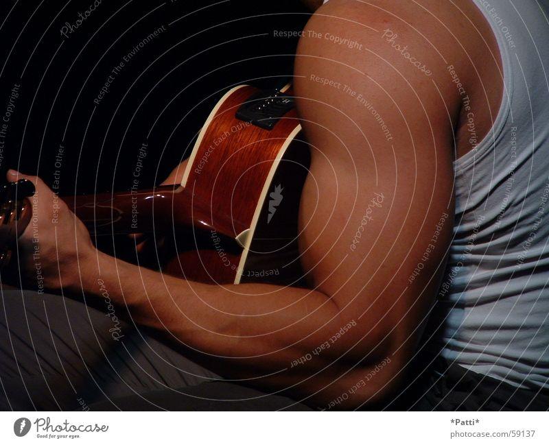 Kraftvolle Musik Popmusik Arme Gitarre Muskulatur Haut Fitness Rockmusik