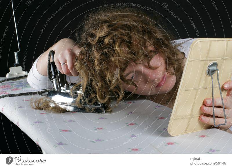 glatt bügeln Bügeleisen Haare & Frisuren Stil verkehrt falsch Wellen fertigmachen Bügelbrett Wunsch Kosmetik rowenta Locken locken-ex dauerwelle schön