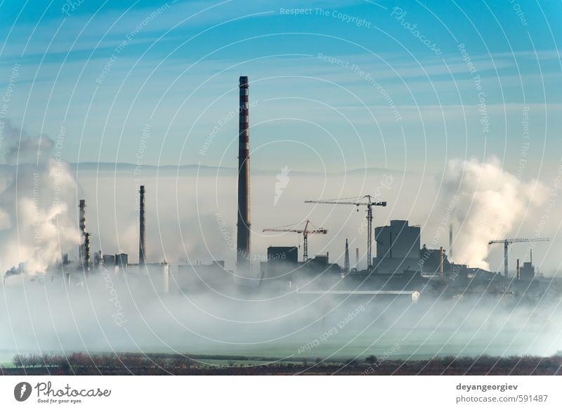 Fabrikschornsteine und Wolken Industrie Technik & Technologie Umwelt Natur Pflanze Luft Himmel Klima Nebel Stadt Schornstein dreckig blau weiß Energie