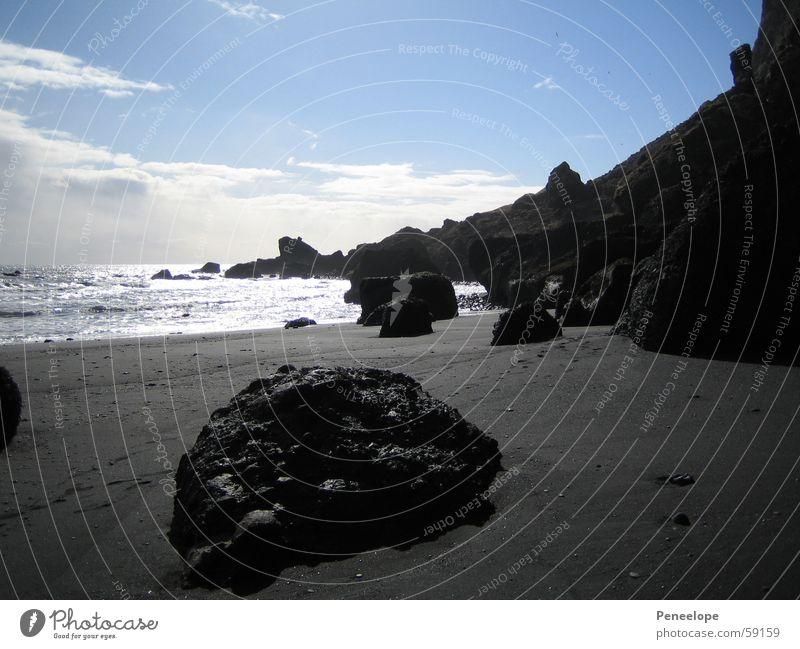 black beach Strand Meer Island Wolken weiß schwarz Ferien & Urlaub & Reisen Klippe schön träumen Himmel Wasser Insel Felsen Stein blau Sand stone