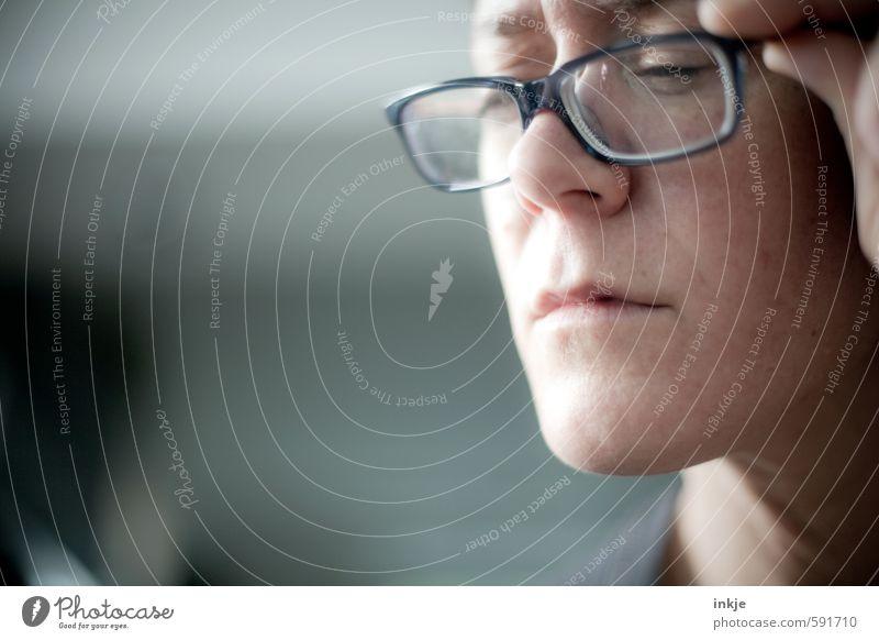 Ab 40 wird alles anders Mensch Frau Gesicht Erwachsene Leben Gefühle sprechen Stil Business Freizeit & Hobby Büro Lifestyle lernen Studium Brille lesen