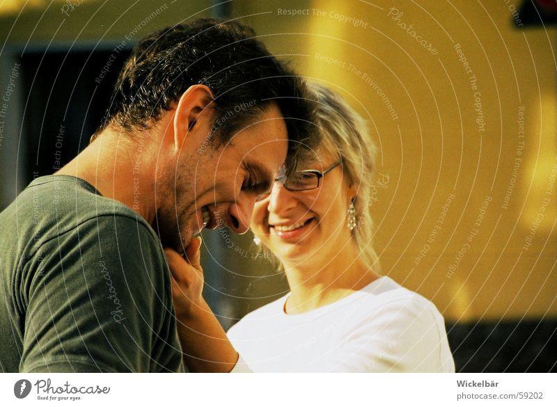 Ach, komm schon...... Frau Mann Hand Freude Liebe Wunsch berühren Bart Konflikt & Streit Streicheln Versöhnung