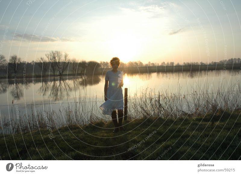 frühlingserwachen II Wasser weiß Meer grün rot Winter kalt Frühling See hell Küste frisch Fluss Kleid Klarheit Sehnsucht
