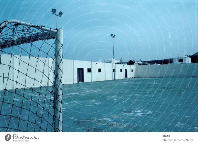 abseits Fußball leer Platz Tor Monochrom Sportplatz