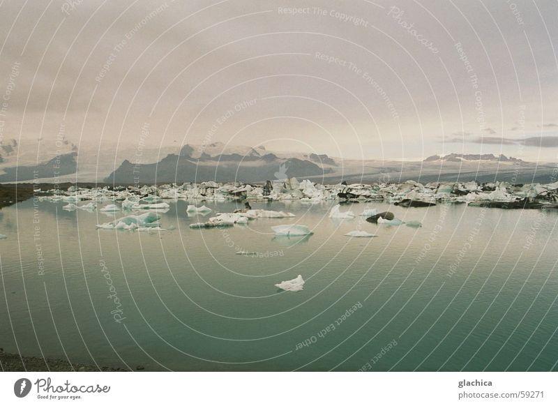 Eisig – Island Wasser Himmel weiß Meer blau Ferien & Urlaub & Reisen ruhig Wolken Ferne kalt Schnee Berge u. Gebirge Freiheit Landschaft hell