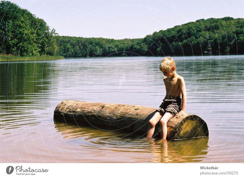 Endlich Sommer ! Kind Wasser Sonne Sommer Ferien & Urlaub & Reisen ruhig Erholung Junge Holz Glück See Zufriedenheit Pause Frieden Schwimmen & Baden Heimat