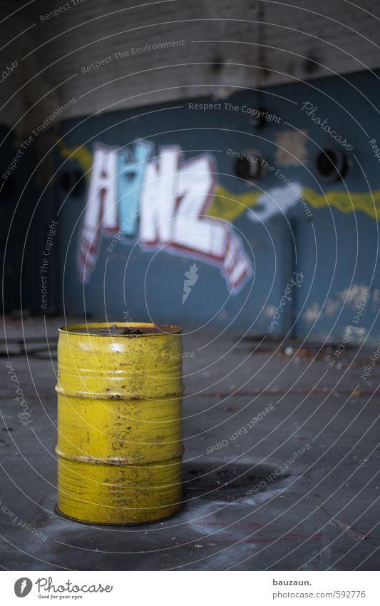 alles für die tonne. blau gelb Graffiti Wand Mauer grau Stein Metall dreckig Energiewirtschaft stehen Schriftzeichen Beton bedrohlich rund