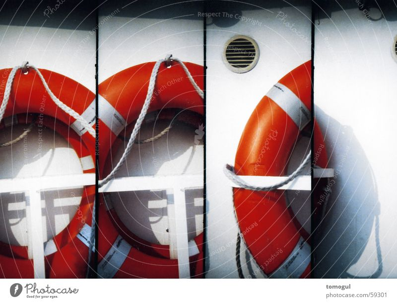 Nichtschwimmerblick Rettungsring Bootsfahrt Schifffahrt Wasserfahrzeug Notfall retten Retter Lomografie Unfallhilfe ertrinken Hilfsbereitschaft
