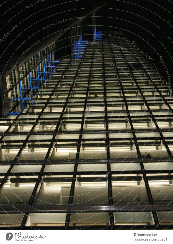 Blick nach oben Fassade Architektur Potsdamer Platz db Berlin Licht Hochhaus Glas
