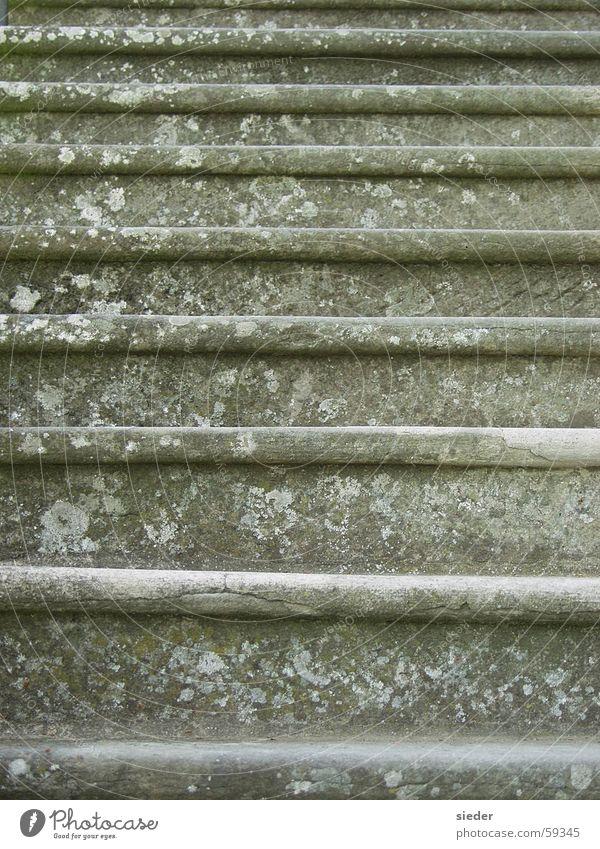Treppe in einem Landhaus alt Hintergrundbild Italien Leiter
