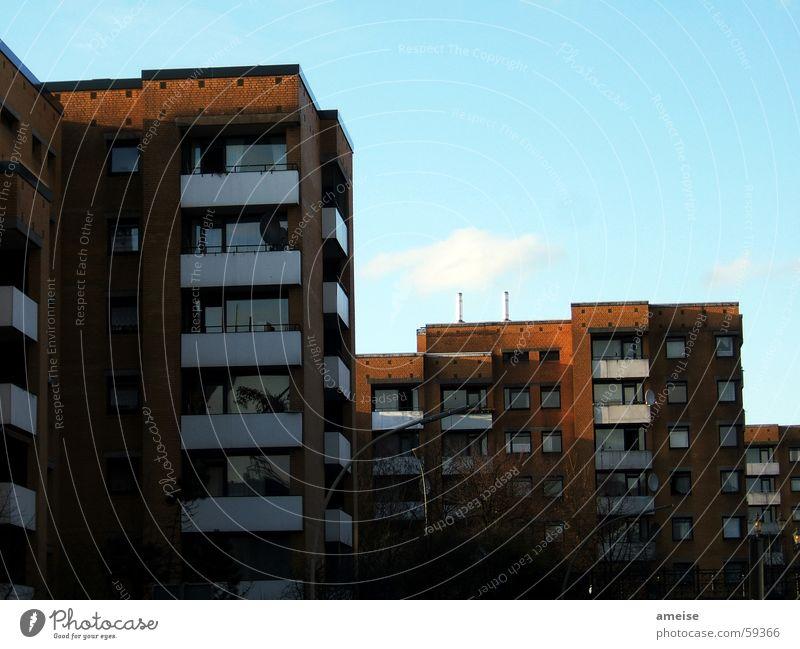 sommer in the city Wolken Sommer Haus Balkon braun Reeperbahn Sonnenuntergang eng Außenaufnahme Himmel Schatten Hamburg Abend Wärme