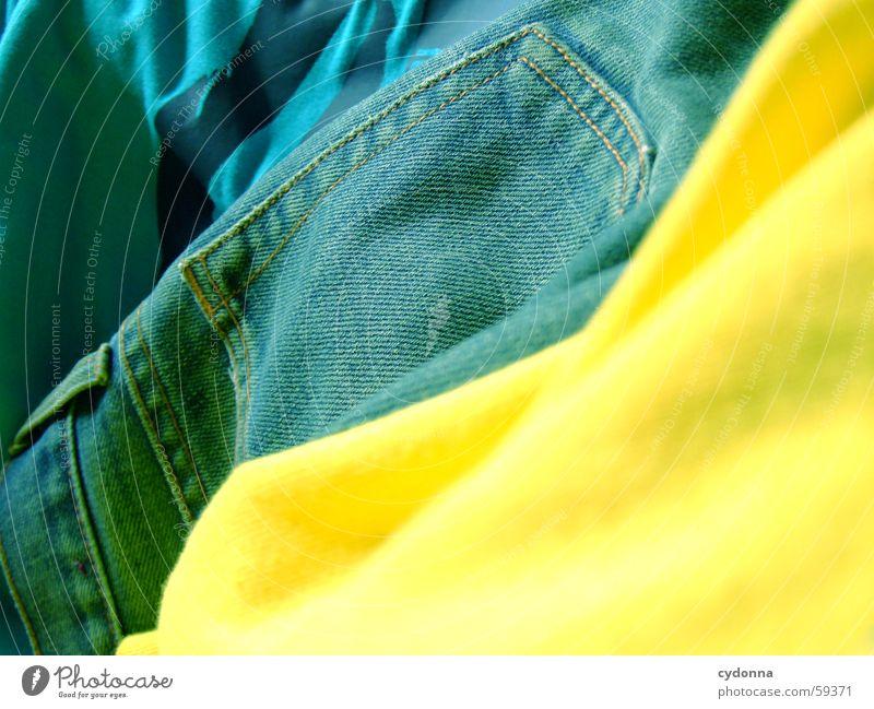 Textilterror Textilien Stoff Bekleidung Licht Stil Aufdruck Dekoration & Verzierung Jeanshose Farbe trendy Detailaufnahme Falte young Mode