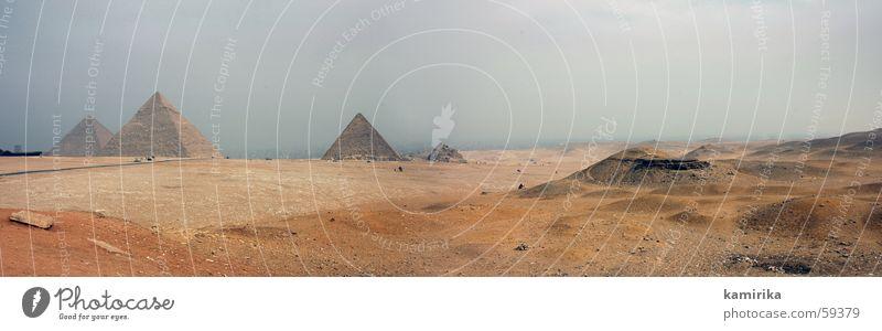 cheops & friends Ägypten Afrika trocken Attraktion Tourismus Tourist Pyramide africa egypt Wüste desert Sand