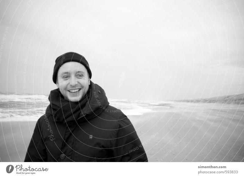 Erholung Mensch Natur Ferien & Urlaub & Reisen Wasser Meer Strand Winter Ferne kalt Küste lachen Freiheit Glück Wellen Zufriedenheit Insel