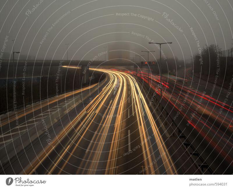 Stadtwinter rot gelb Straße grau trist Brücke fahren Verkehrswege Autobahn Hauptstadt Tunnel Schornstein Autofahren