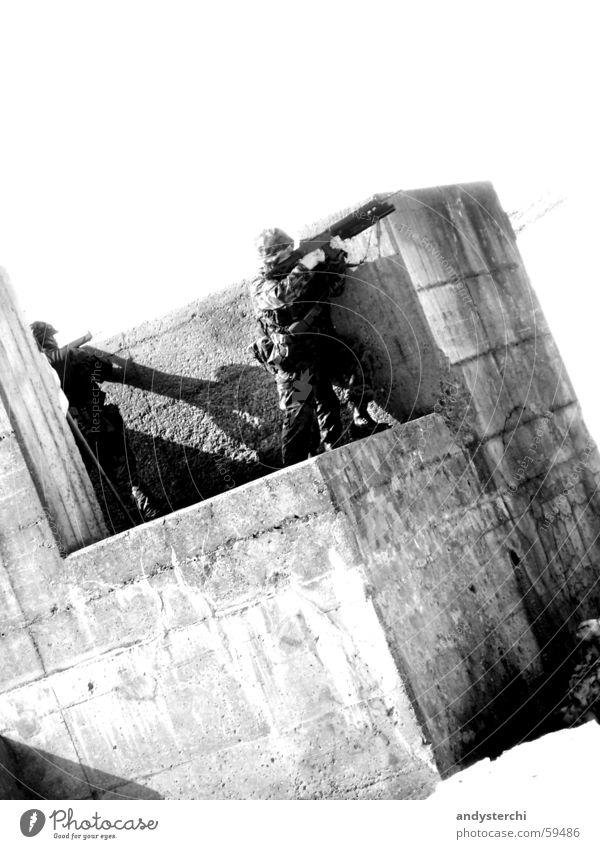Enemy At The Gates Beton Körperhaltung Krieg Soldat schießen Gewehr Granatwerfer Sturmgewehr