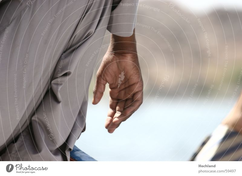 Die Würde der Hand Mann Hand Straße Finger Aktion Falte berühren Leidenschaft selbstbewußt Daumen Tatkraft Ägypten Afrika Körperteile