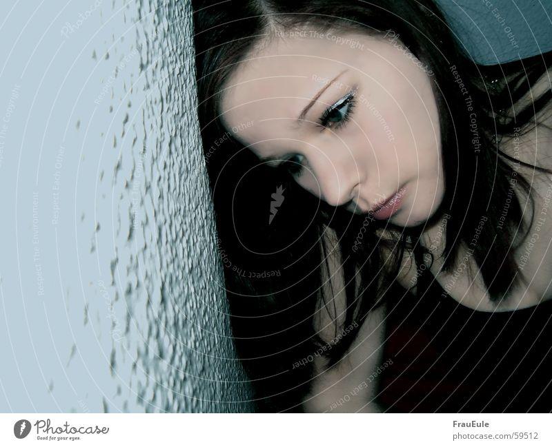 you NEVER listened Frau blau ruhig Einsamkeit Gesicht Auge kalt dunkel Wand Gefühle grau Kopf Haare & Frisuren Stil Traurigkeit Mauer