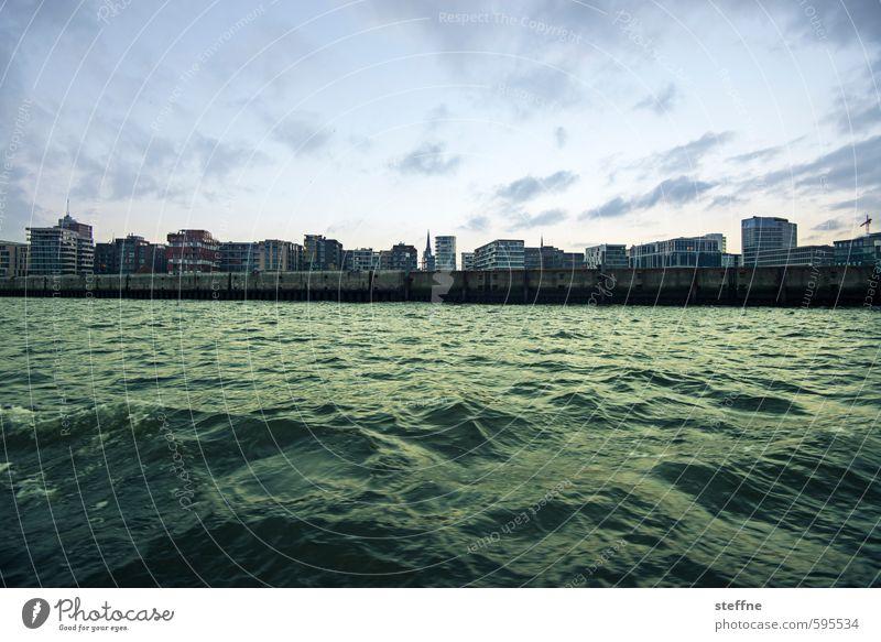 Hafencity Himmel Wellen Küste Flussufer Hamburg Hafenstadt Skyline Haus außergewöhnlich Elbe Hochkonjunktur Farbfoto Panorama (Aussicht) Weitwinkel