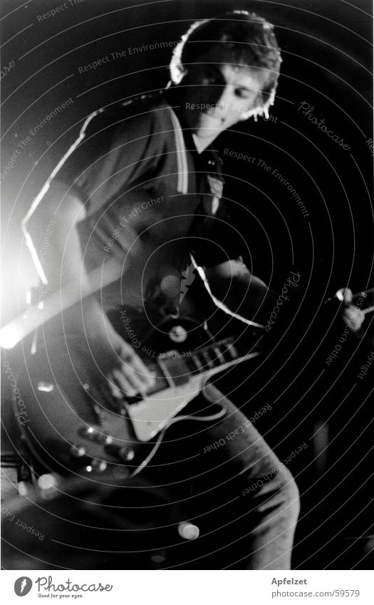 Richard live Elektrogitarre Popmusik Lightshow Mann Rocker Gitarre live-auftritt les paul Musiker Rockmusik