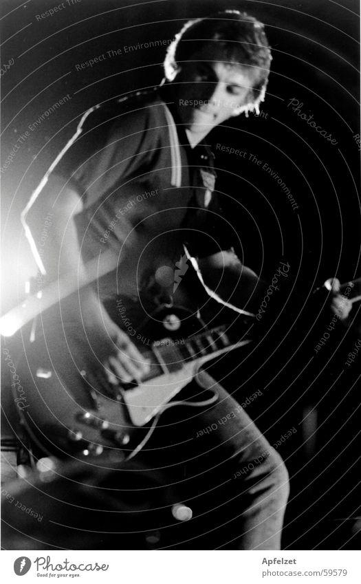 Richard live Mann Rockmusik Gitarre Musiker Popmusik Lightshow Rocker Elektrogitarre