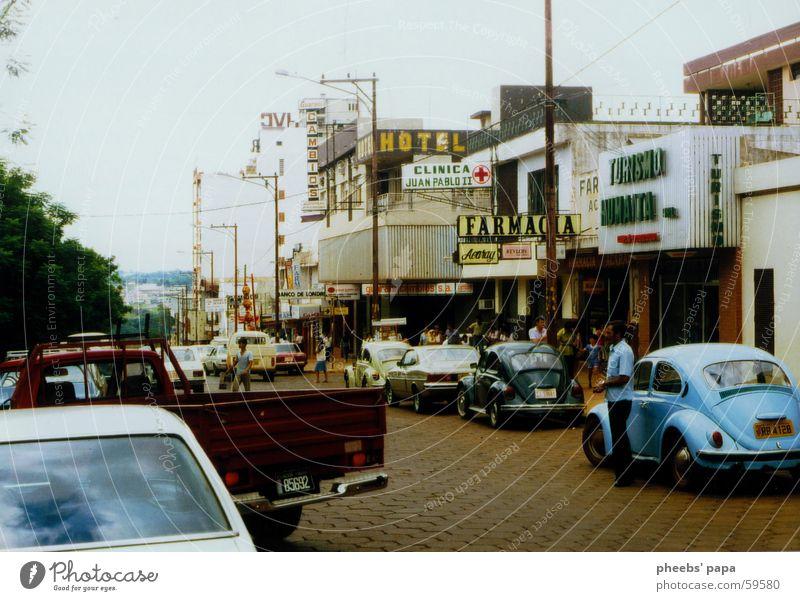 die stadt Stadt Kaufhaus Ladengeschäft Apotheke paraguay PKW farmacia