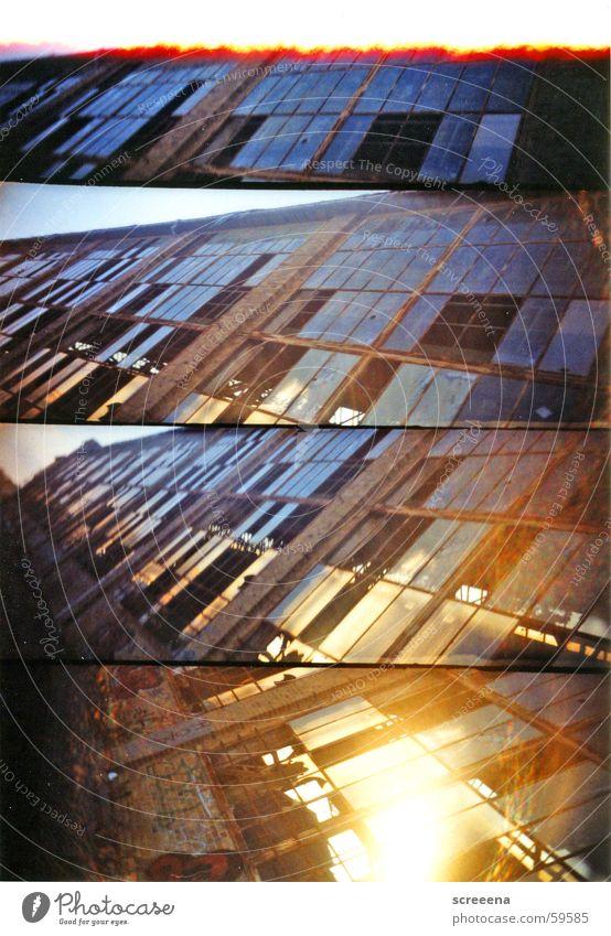 Metric Haus Leipzig Fenster kaputt Industriefotografie Lomografie supersampler Glas Himmel blau orange Stein verrückt Zerstörung