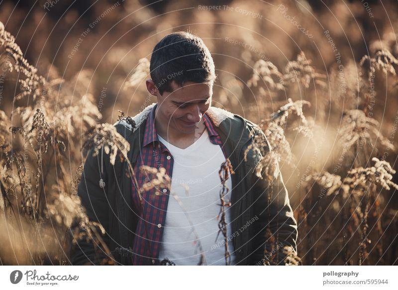 don't be shy Mensch Natur Jugendliche Mann Pflanze Freude 18-30 Jahre Winter Junger Mann Erwachsene Leben Gefühle feminin Herbst Gras Glück