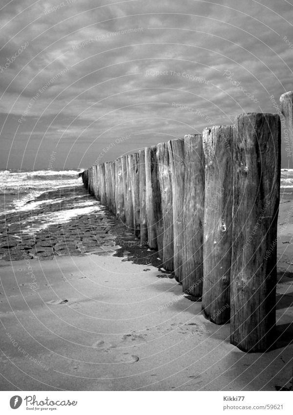 StrandZaun Holz Wolken Meer schlechtes Wetter Leidenschaft Wellen Sand Pfosten Stein