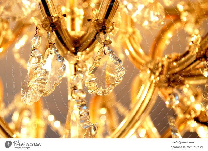 ...weiss gerade keinen passenden Namen Kronleuchter geschmackvoll schön Reichtum Geschmackssache Leuchter Bleikristall Lichttechnik Beleuchtungselement