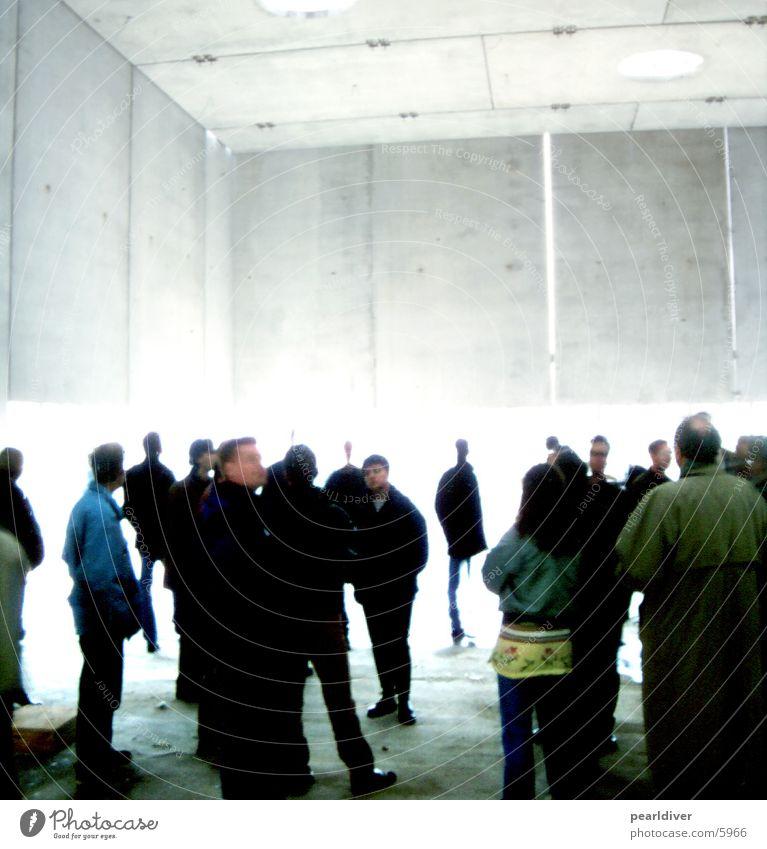 betonandacht Mensch Architektur Baustelle Publikum Lagerhalle Versammlung