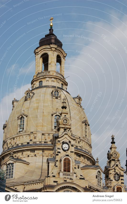 Die Alte ganz neu Dresden Sachsen Sandstein Kuppeldach historisch Erneuerung Weltkrieg Zerstörung Versöhnung Steinkuppel Gotteshäuser Frauenkirche Altstadt